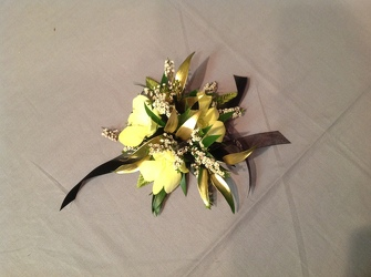 Yellow and Gold from Lewis Florist in Grayslake, IL